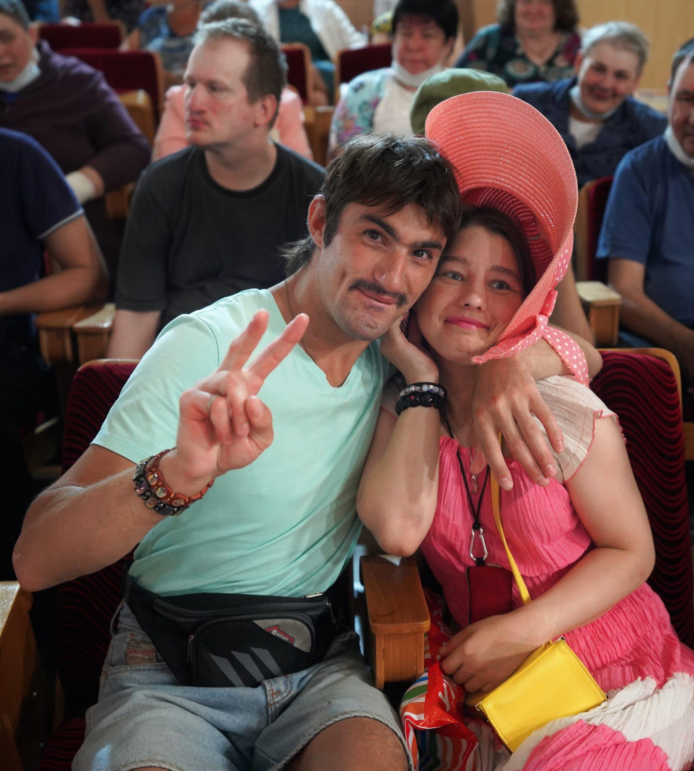 Всероссийский день семьи, любви и верности – праздник, воспевающий супружескую любовь и верность, жители России ежегодно отмечают 8 июля.